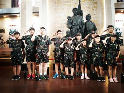 淄博军事夏令营帮孩子养成好习惯