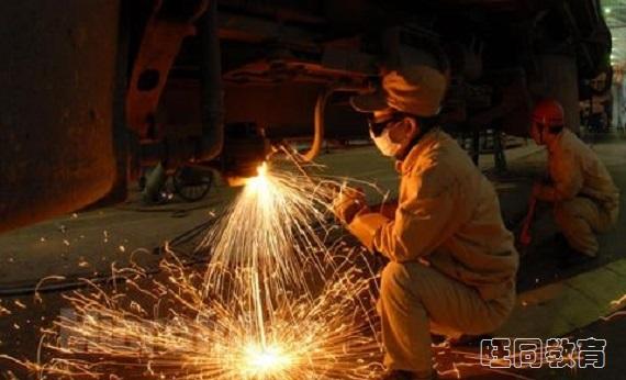 焊工操作证怎么考,考试多少分就能通过?
