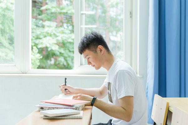 贵州红花岗区哪里有播音主持课学习机构